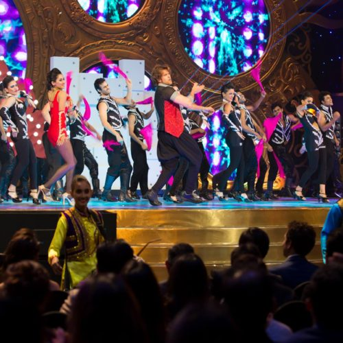 The Dholiz Malaysia Perform with Hritihik Roshan at IIFA 2015